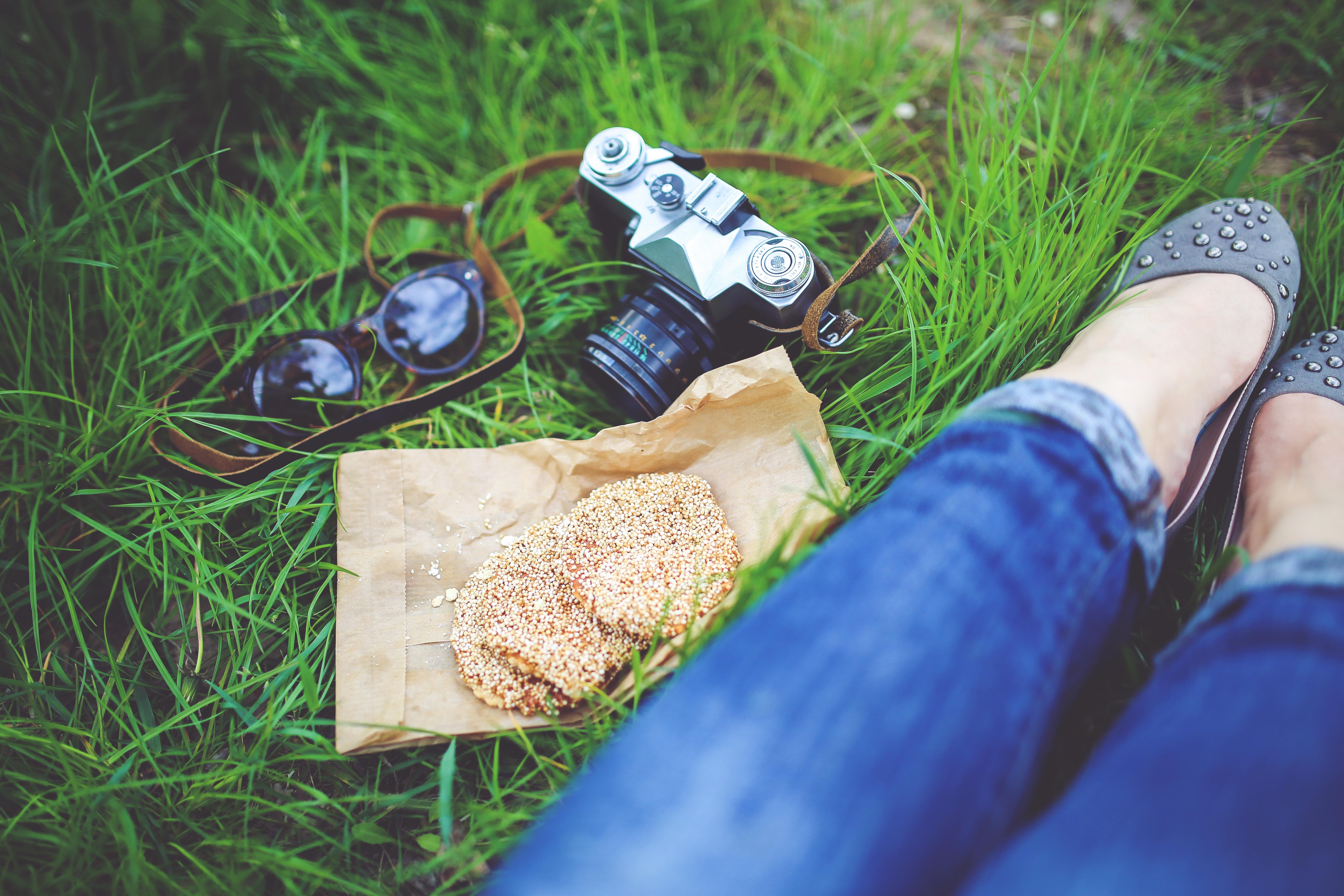 food-woman-camera-girl.jpg.jpg